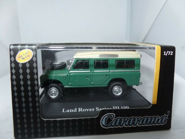 Cararama 7-52644 1/72 Scale Land Rover Series III 109 Green White Roof
